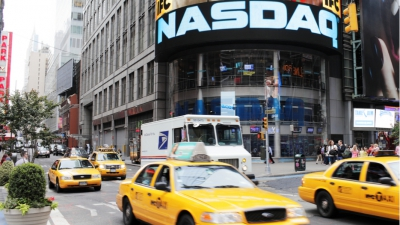 """Nasdaq CEO wants to protect """"Auntie Mae in Iowa"""" from ICOs"""