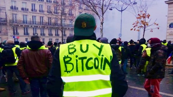 The Bizarre Story of France's Yellow Vests, Bitcoin and a Street Artist Named Pascal